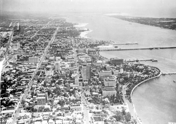 Black and white aerial photo of West Palm Beach intracoastal 1927